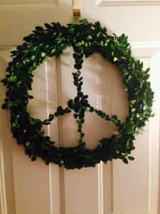 Mamatoga Boxwood Peace Wreath