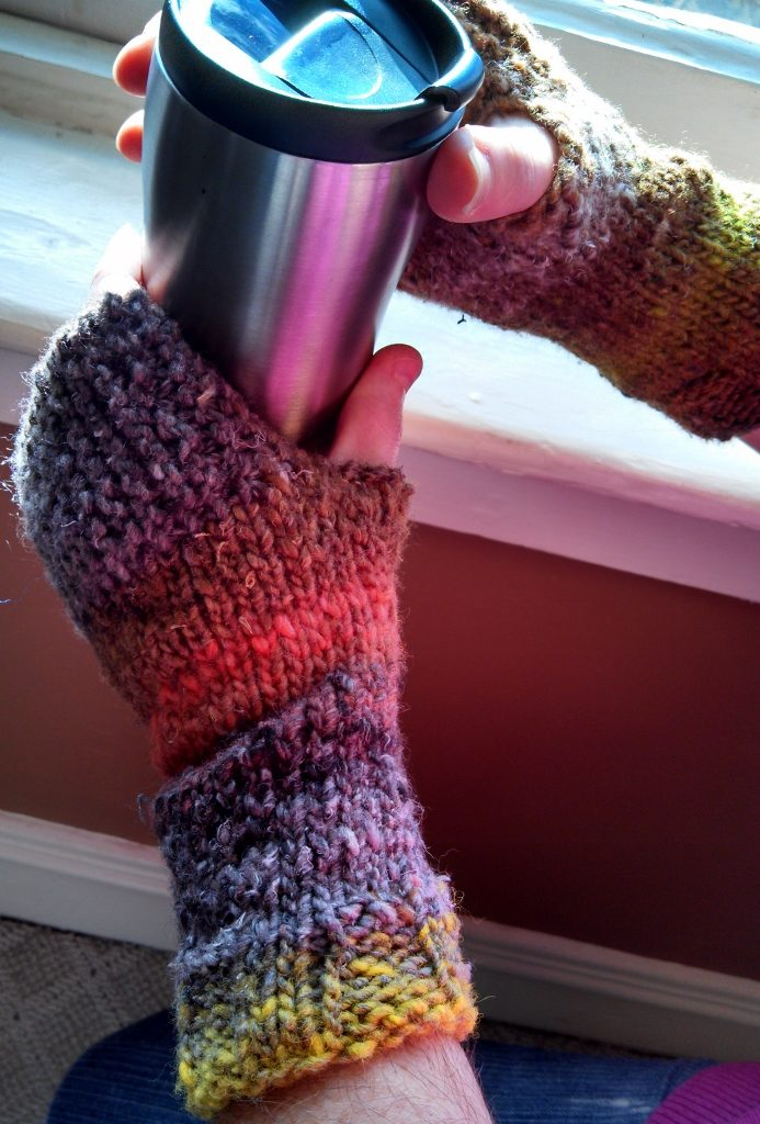 Easy knit fingerless mitts