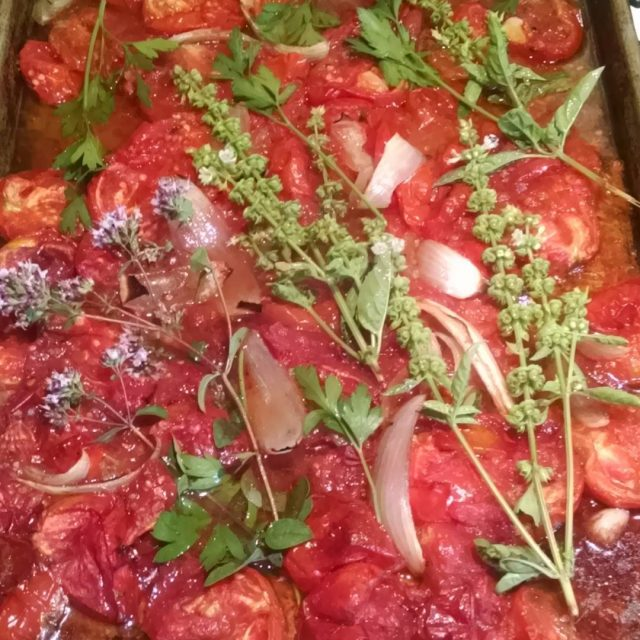 Smells divine! Just added red wine and fresh herbs tohellip